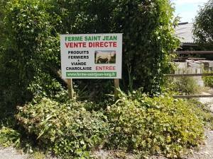 Entrée de la ferme Saint-Jean à Long et ses produits locaux et fermiers